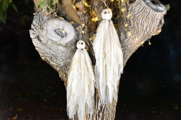 DIY Halloween Primitive Ghosts